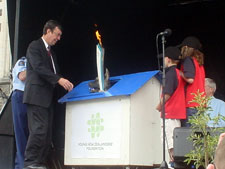 Mayor Garry Moore welcomes Special Olympics Athletes to Christchurch, Wednesday 30th November 2005.